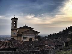 Bergamo (susivinh) Tags: landscape italia paisaje bergamo iphone iphoneography iphone4s