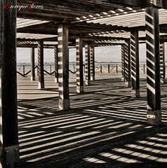 Juego de Sombras (Enrique Flores 71) Tags: wood sun game texture textura sol beach rio river lights luces madera nikon shadows columns delta playa catalonia catalunya ebro juego sombras fusta cataluña tarragona platja ombres llums riu columnas joc ebre columnes deltadel´ebre olétusfotos bestcapturesaoi nikond7000 mygearandme