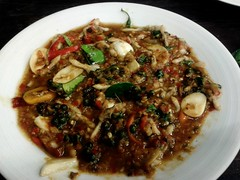 หอยหลอดผัดฉ่า | Hot And Spicy Stir-Fried Razor Clam @ เจ๊นุ้ยซีฟู้ด