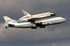 B747-1.N905NA-2 (Airliners) Tags: iad published nasa boeing magazines discovery spaceshuttle boeing747 747 b747 skyliner shuttlediscovery n905na 41712 b7471