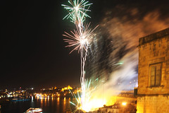 Malta_29_Apr_2012_358 (James Hyndman) Tags: festival fireworks malta maltesefalcon mooseheads valletta kinnie