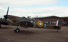 Spitfire Mk1a X4650 (Martin D Stitchener PiccAddo Photography) Tags: vintage photography photo flickr airshow duxford spitfire warbird flyinglegends twitter martinstitchener dxhawk