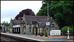 Pitlochry Station. (Kingfisher 24) Tags: fountain station scotland perthshire lamps platforms pitlochry
