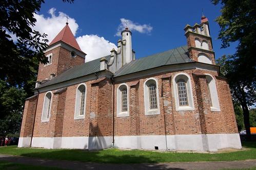 Kościół św. Stanisława w Luszynie od południowego wschodu