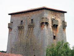 Torreón de Fernán González (Covarrubias, Burgos) (Juan Alcor) Tags: torreón fernángonzález covarrubias doñaurraca emparedada torre spain españa