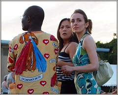 J'ai Confiance En Toi (TheeErin) Tags: park blue girls friends light red summer people en sun white chicago men beauty shirt print french evening three illinois couple looking dress arms heart you folk expression african jesus il fabric purse mind surprise trust rays trio phrase thin jai sunnyside beams meaning affluence maxi streaming francais symbolism searching chicagoland toi ribbet ravenswood illuminates welles faustina jsus chicagoist wellespark dashiki amenities esoterica unadorned i misericordioso confiance dfinition maxidress ndiya zighidizazazero