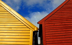 Colourful Norway (PeterCH51) Tags: houses red yellow norway buildings wooden unesco colourful bergen scandinavia unescoworldheritage bryggen hanseatic hanseaticleague mywinners peterch51
