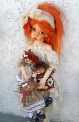 Neema, Nyssa by Kaye Wiggs and new friends (6luciole) Tags: hope msd stuffeddoll nyssa clothdoll laryssa raggedydoll kayewiggs jpopdolls heliantas chiffondoll bjdartist raouken wendygroskopf