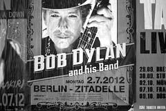 Bob Dylan poster, Berlin. (wojszyca) Tags: music dylan berlin zeiss poster concert kodak bob hc110 contax h epson g2 45mm 163 planar plusx 125px 4990