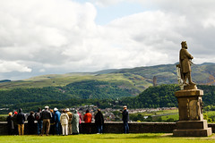 Am I Not Interesting? (Natesh Ramasamy) Tags: slr castle robert tourism statue canon photography scotland photo tour stirling bruce picture pic visit tourist visitors canoneos natesh ramasamy lifeisart 550d t2i canon550d canont2i canonkissx4 ramnaganat