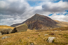 Cym Idwal (Lee~Harris) Tags: uk sky cloud mountain rock wales clouds landscape outdoors landscapes photo scenery rocks scenic tranquil grassy rockformation mountainrange