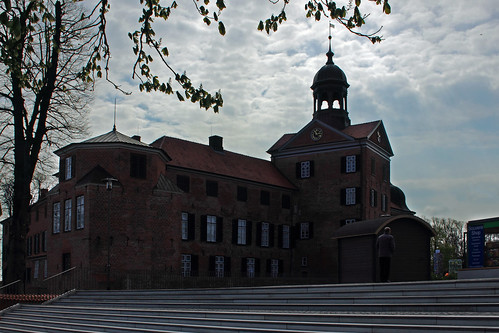 "Eutiner Schloss (02) See- und Stadtfassade • <a style=""font-size:0.8em;"" href=""http://www.flickr.com/photos/69570948@N04/26518397110/"" target=""_blank"">View on Flickr</a>"