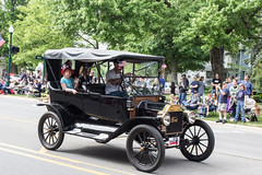 IMG_2845 (marylea) Tags: classic car vintage classiccar parade memorialday 2015 may25 memorialdayparade