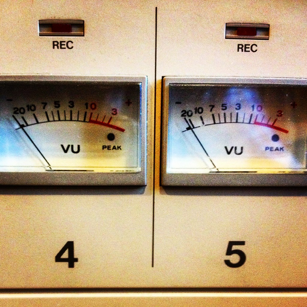 The Worlds Best Photos Of Audio And Vu Flickr Hive Mind Pocket Meter Identical Twins Pennan Brae Tags Musicstudio Recordingstudio Recording Sound