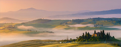 Fairytale Land - Tuscany - Italy (~ Floydian ~ ) Tags: henkmeijer photography floydian italy tuscany fairytaleland fairytale podere belvedere poderebelvedere sunrise morning dawn fog valley pienza sanquirico mist house villa building warm glow firstlight valdorcia italian landscape landscapes stitching wide large view canon canoneos1dsmarkiii