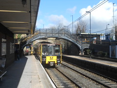 South Gosforth (ee20213) Tags: metro yellowline metrocar southgosforth 4025 tynewearmetro
