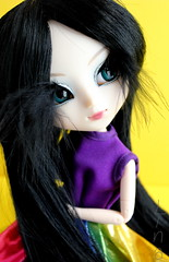 Ryoko [Naomi] (LinaLinos) Tags: colorful doll dolls feather naomi pullip pullips blackfeather blackwig rainbowdress junnplanning pullipnaomi