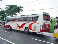 Cavite Batangas 8396 (bhettina limchu) Tags: new bus back view market rear transport nv posterior batangas hino tagaytay cavite sr services rk lawton 620 grandeza cooperative sanagustin kostal dasma 8396 9943 cbtsc bagyongferdie