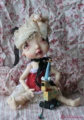 Colombyne et clown le chien (heliantas) Tags: doll body handmade bjd kane humpty dumpty blushing faceup nefer