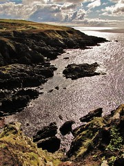 Big Isle in Castle Bay (Jani Helle) Tags: castle bay scotland ruins portpatrick bigisle towerhouse dumfriesandgalloway castlebay dunskey dunskeycastle portphdraig september2011