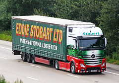 Mercedes Actros new look GK12 UAO TAZ (gylesnikki) Tags: truck taz newlook artic mp4 2012 eddiestobart