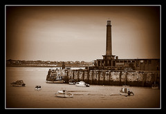 Margate in Sepia (tracyhughes2_7. CPAGB LRPS) Tags: water sepia buildings boats margate digitalcameraclub 100commentgroup me2youphotographylevel1 vigilantphotographersunite vpu2