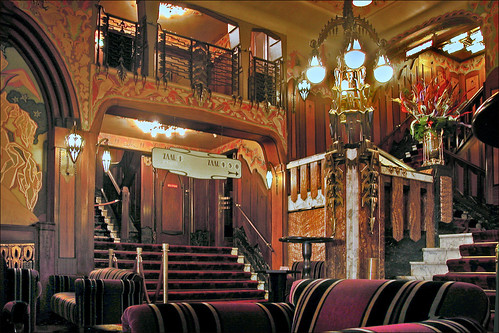 Le cinéma-théâtre Tuschinski (Amsterd by dalbera, on Flickr