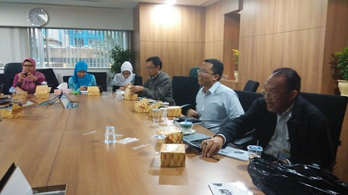 """Maybank Syariah. Financial Intelligence Training with very active participants. • <a style=""""font-size:0.8em;"""" href=""""http://www.flickr.com/photos/41601386@N04/16799065935/"""" target=""""_blank"""">View on Flickr</a>"""