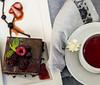 (gabiconminuscula) Tags: food tea chocolate taste tee té puddin sabores alimentos algarroba frutosdelbosque