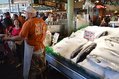 Pike Place Fish Market 2 (16) (Tommy Hjort) Tags: seattle travel usa fish market pikeplacemarket fishmarket fisk marknad