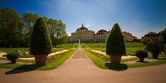 Residenzschloss Ludwigsburg (jeglikerikkefisk) Tags: springbrunnen schloss ludwigsburg langzeitbelichtung badenwrttemberg residenzschloss lzb