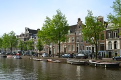 Along Prinsengracht on a Spring Afternoon (j. kunst) Tags: holland tree netherlands amsterdam boat canal spring nederland prinsengracht canalhouse   deutzenhofje