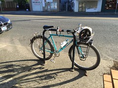 The mountain gentleman bike hanging out on Foster Road. (Dyslexic Precision) Tags: atb mongoose