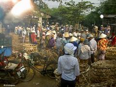 Markt # Vietnam # PICT0954 # KonicaMinolta Dimage G600 - 2005 (irisisopen f/8light) Tags: color digital minolta konica farbe dimage g600 irisisopen