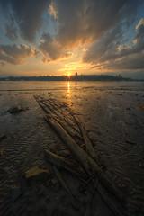 Mare basse (Patrice StG) Tags: sunset sun soleil shore qubec stlawrence stlaurent couchant coucherdesoleil fleuve stlawrenceriver rivage sigma1224 d700