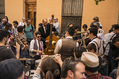 Mardi Gras en Alicante #5 (palm z) Tags: espaa banda spain alicante grupo gras msica mardi saxo batera trompeta baterista trompetas saxofonista violonchelo violonchelista