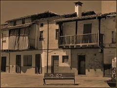 Descanso  (jose luis naussa ( + 1,8 k w. )) Tags: castilla  saariysqualitypictures vividstriking viviendasrurales