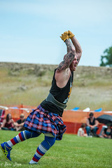 HG16-102 (Photography by Brian Lauer) Tags: illinois scottish games highland athletes heavy scots itasca lifting
