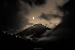 Eclaircie Nocturne en Vanoise (M) (Frdric Fossard) Tags: art nature silhouette montagne alpes lune lumire ombre savoie nuage paysage soir nuit nocturne brume calme luminance spia ambiance pralognan valle vanoise dramatique atmosphre cimes claircienocturne