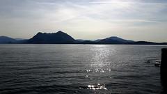 isole borromee (1) (giangian239) Tags: lago acqua blu giardino maggiore albero verde prato statua monumento isola isole borromee madre bella superiore panorama paesaggio lungolago