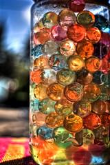 Colores. (mgarciac1965) Tags: luz colores bolas bote tarro nikond5200