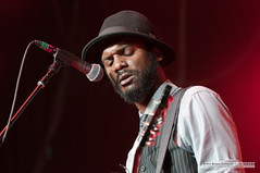 Gary Clark Jr. @ Sweetlife Festival, Merriweather Post Pavillion, Columbia, MD (5-11-2013)-0463 (BetweenLoveandLike) Tags: phoenix solange columbiamd washingtoncitypaper merriweatherpostpavillion 2013 garyclarkjr ericabruce betweenloveandlike sweetlifefestival youthlagoon
