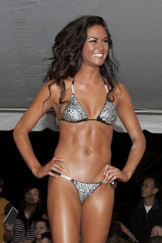 2013 Raleigh Hooters Swimsuit Contest
