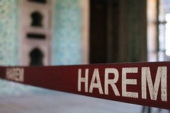 ISTANBUL - HAREM (Maikel L.) Tags: red rot turkey word rojo women europa europe letters türkiye band istanbul palace türkei sultan oriental orient topkapi harem absperrung palast turkish wort palacio eunuch constantinople buchstaben topkapisarayi concubines byzanz türkisch serail eunuchs valide absperrband konstantinopel validesultan