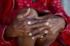 Philippines,  Banaue, Ifugao close up of old Traditional Womans hands 9832 (Jaydene Chapman) Tags: red costume hands southeastasia traditional philippines unescoworldheritagesite fingernails colourful woven knees banaue ethnic ifugao cordillera luzon wrinkled pongot