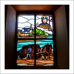 Saint Cado, Ria d'Etel (Papyricko) Tags: saint breizh vitrail fontaine morbihan chapelle ria croix bzh etel vitraux cado belz calvaire ostréïculture nichtarguer