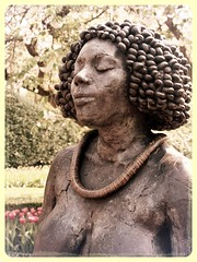 Ngritude (Cokebuster) Tags: statue afro keukenhof buste africain africaine uploaded:by=flickrmobile flickriosapp:filter=aardvark aardvarkfilter