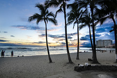 Last Night in Honolulu (Ben Andreas Harding) Tags: ocean sunset sea people sun beach water beautiful hawaii evening coast waikiki scenic honolulu idyllic enjoying