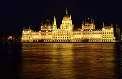 Budapest - Parliament III (Biancio85) Tags: longexposure light reflection building water architecture night river lights nikon hungary darkness nightshot fiume tripod budapest edificio parliament luci acqua notte architettura danube buda luce pest notturno riflesso ungheria parlamento cavalletto hungarianparliament danubio lungaesposizione nikkor1855 treppiedi parlamentoungherese d3100
