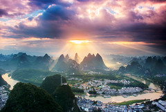 Woke Up Dreaming (craigkass) Tags: china mountains sunrise liriver asia yangshuo karst crepuscular guangxi limestonekarst